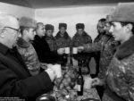 Спикер парламента Армении: Мы обязаны крепко оборонять наши границы