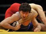 Армянский борец одолел турецкого борца и стал чемпионом Европы