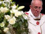 Папа Римский поздравит с Пасхой на 60 языках