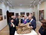 Серж Саргсян и Бако Саакян приняли участие в праздничных мероприятиях