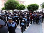 Перед зданием Правительства Армении прошла акция протеста против подорожания газа