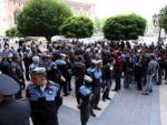 У здания правительства Армении проходит акция протеста
