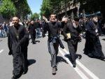 Европейские педерасти не могут понять как демократичные грузини отдубасили петухов