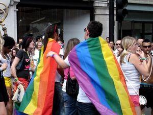 Азербайджанцы ни за что не откажутся от гей парада в Баку.