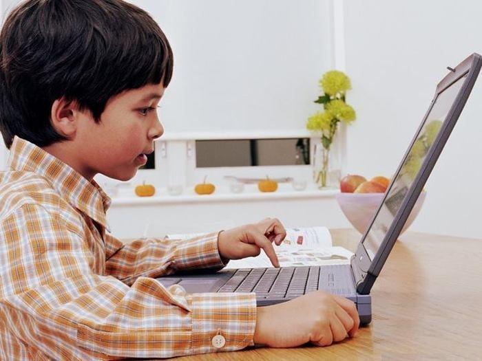 В рамках программы «Образование во имя десятилетия стабильного развития в Армении» в школы будут поставляться армяноязычные ПК