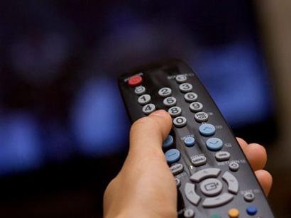 В телевизионных и радиоэфирах должен звучать литературный азербайджанский язык