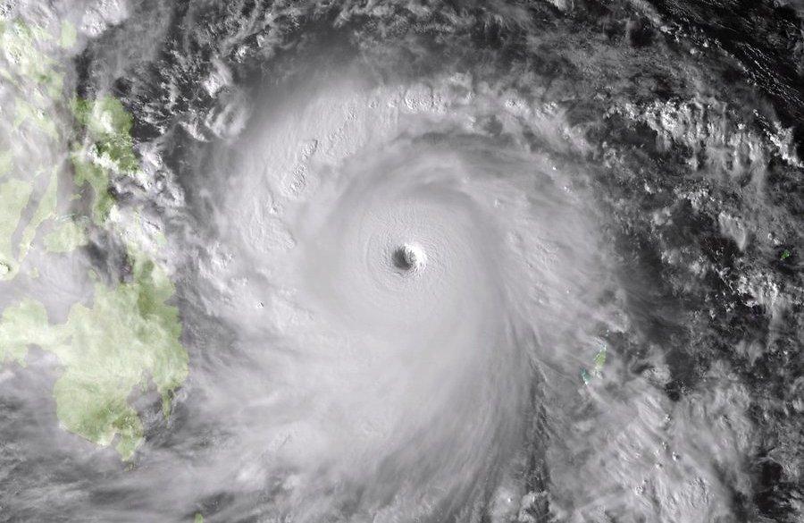 На Филиппины обрушился сильный тайфун