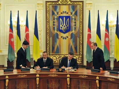 Азербайджан и Украина подписали пять важных документов