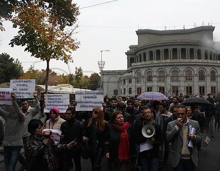 Паруйр Айрикян 18 февраля организует митинг