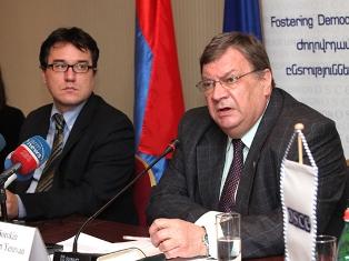 От трехдневного визита на Южный Кавказ президента Швейцарии руководитель ереванского ОБСЕ ожидает существенных результатов
