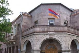 По уровню демократии Азербайджан отстает от Армении